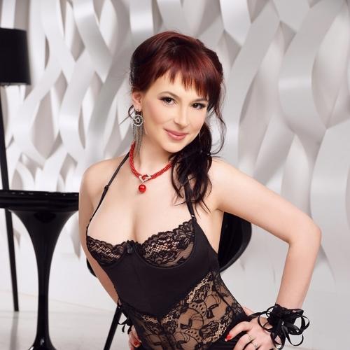 zrelaya-prostitutka-lora